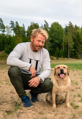Jourhavande reporter hundar vacker karlek och radsla
